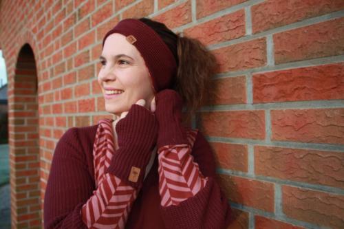 Jana Rellez - www.instagram.com _carolillie_ - Stirnband und Armstulpen - Strick und Jacquard Jersey