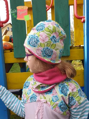 .ulia Jule mit der Spule Halssocke & Beanie  (Beanie 6 cm gekürzt und mit Stirnbandohren