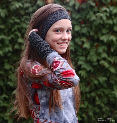 Lydia Arndt Faden Frida -Stirnband und Armstulpen-Kuschelsweat